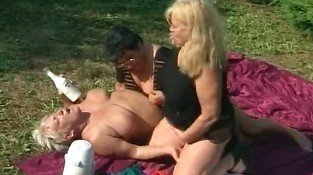 Nast grannies in hot outdoor threesome