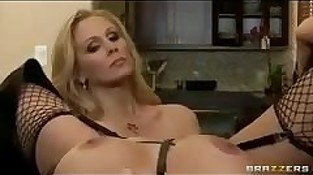Big-Tit MILF Pornstar Julia Ann fucks blonde sluts in threesome