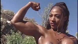 Cassandra Floyd 01 - Female Muscle