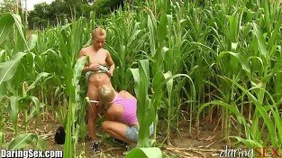 DaringSex Lesbians Box gets Toyed in the Bushes