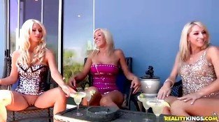 4 Smoking blonde divas Jazy Jessica Lux and Samm